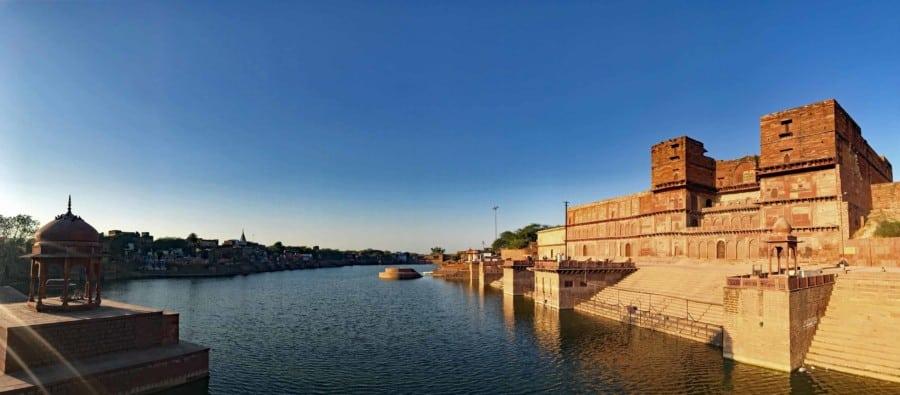 Tipp der Sehenswürdigkeiten in Dholpur: Panorama in der Pilgerstätte Machkund