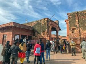 Eingang zur Geisterstadt Fatehpur Sikri in Indien zwischen Agra und Jaipur