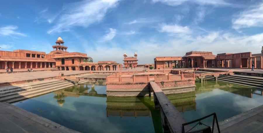 Panorama in Fatehpur Sikri: Zurückversetzt in die Zeit unter Großmogul Akba