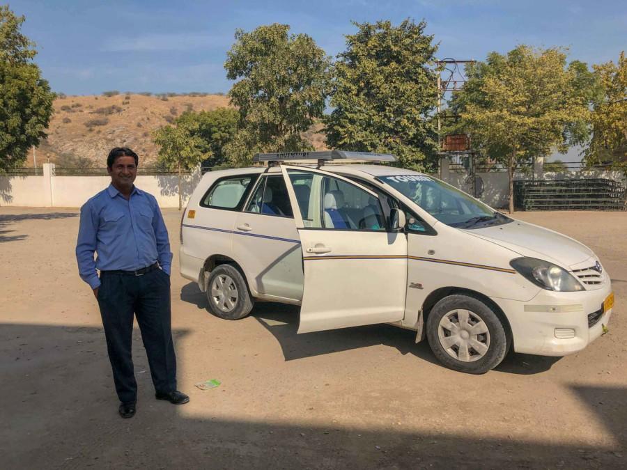 Mit privatem Fahrer durch Indien - unser Fahrer Anil