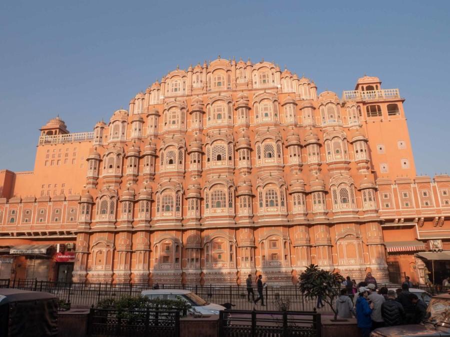 """Wahrzeichen und Fotomotiv Nr. 1 in Jaipur: das Hawa Mahal, der """"Palast der Winde"""""""
