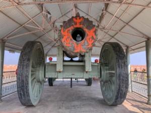 Die weltweit größte fahrbare Kanone, die Jaivana Kanone