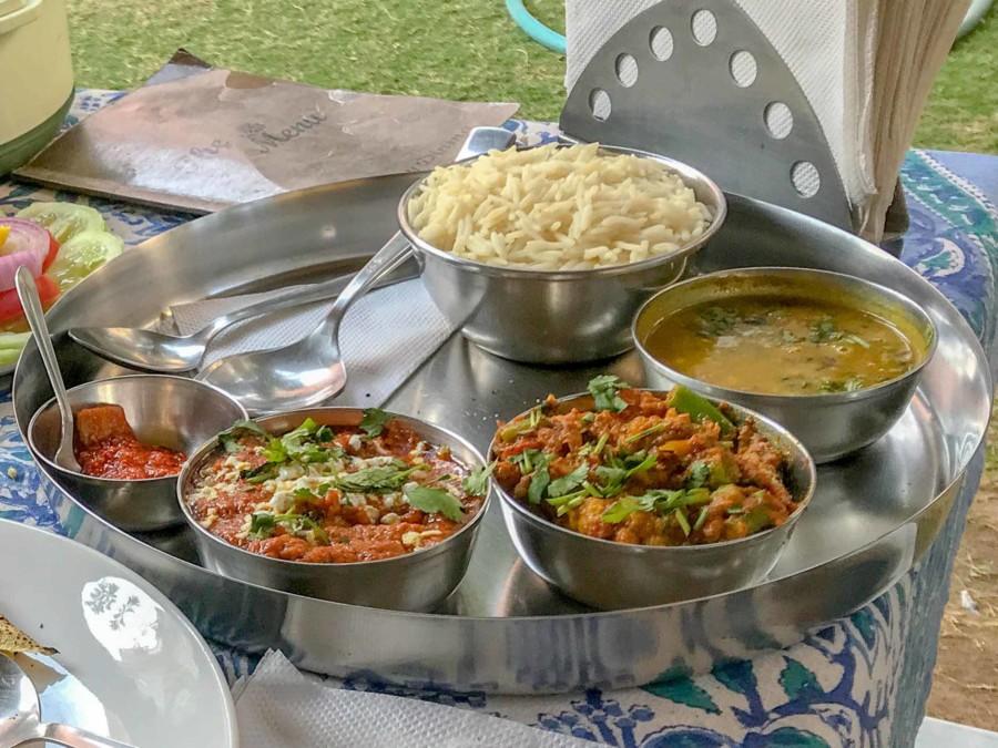 Küche Indien: Typischen vegetarisches Thali