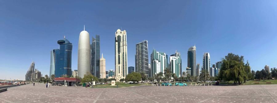 Panorama auf die West Bay, der moderne Stadtteil in Doha mit vielen Hotels, Geschäfts- und Einkaufszentrum