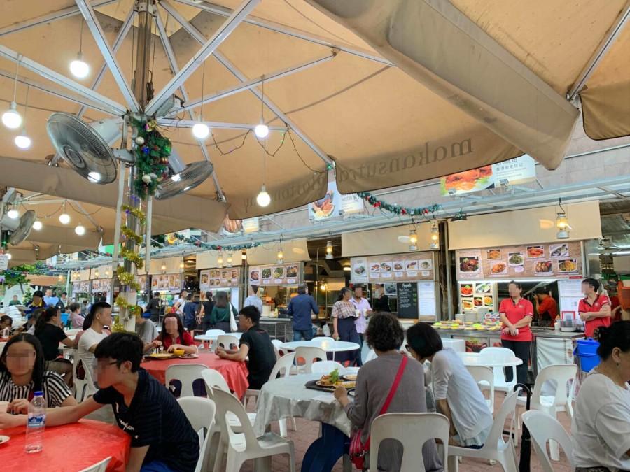 Bestes Street Food zu kleinen Preisen im Makansutra in der Gluttons Bay