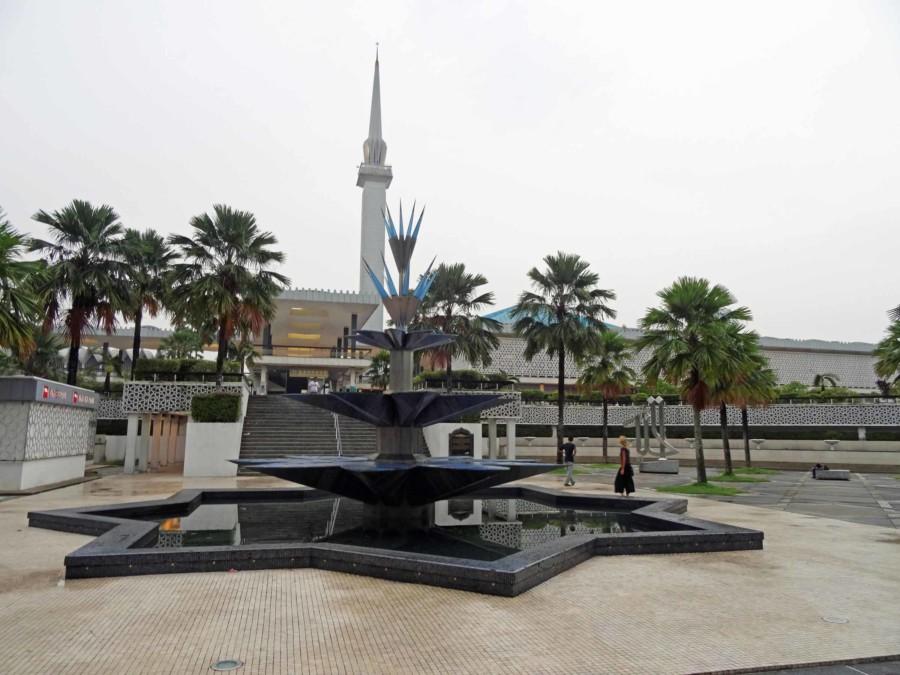 Sehenswürdigkeiten & Highlights: National Mosque (Masjid Negara), die Nationalmoschee in Kuala Lumpur