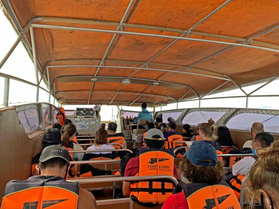 Im Lomprayah Catamaran kommst Du bequem und innerhalb einer Stunde von Koh Phangan nach Koh Tao
